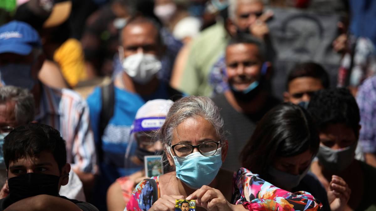 Los pensionados y jubilados venezolano: En miseria, cobran $2,00 mensuales de pensión